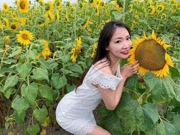 Yinxiaoqian News Feed Photos